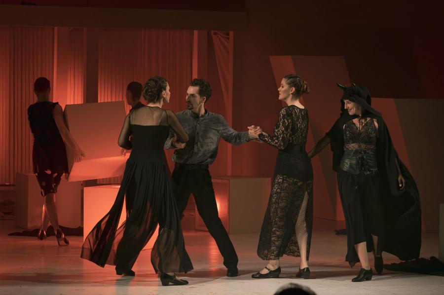 János vitéz - táncszínházi  előadás